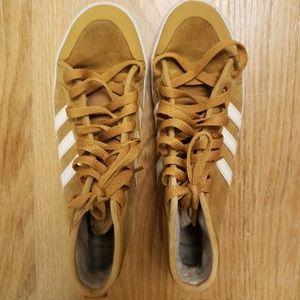 Adidas warm sneakers